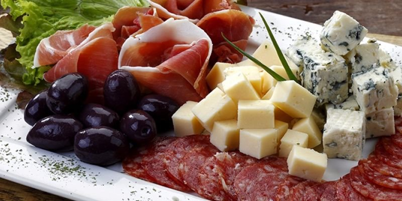 Gourmet sausage, cold cuts and cheese, find them in our market