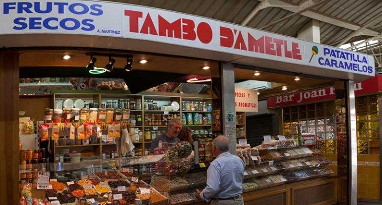 Tambo dametla frutos secos y especies en mercado santa catalina mallorca