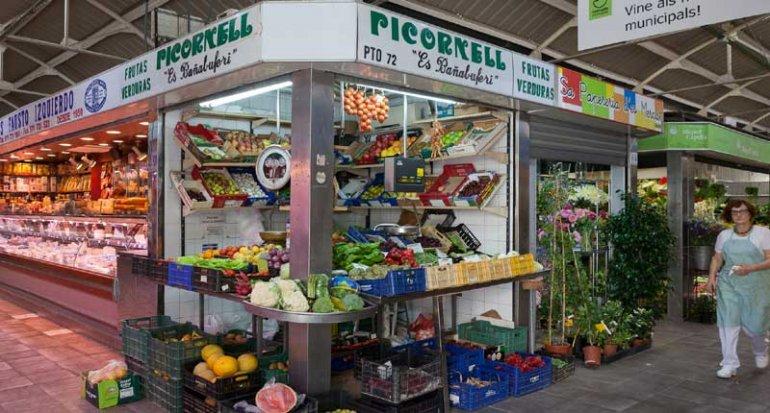 Frutas y verduras es banyalbuferi en Mercado de Santa Catalina Mallorca
