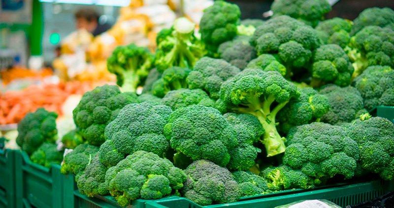 Mercat de Santa Catalina Productos de temporada febrero brocoli