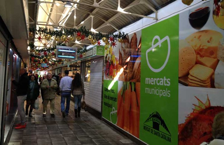 Shop and dine at a food market