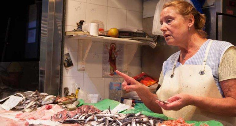 Pescadería Antonia en Mercado de Santa Catalina