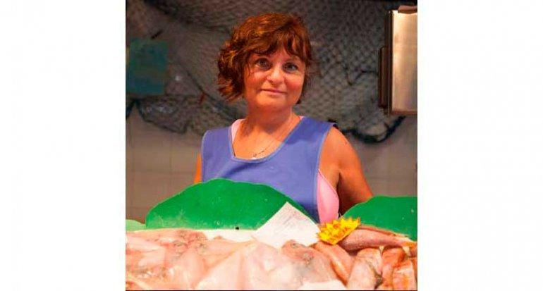 Pescaderia Catalina colas de rape alangostadas en mercado de santa catalina mallorca