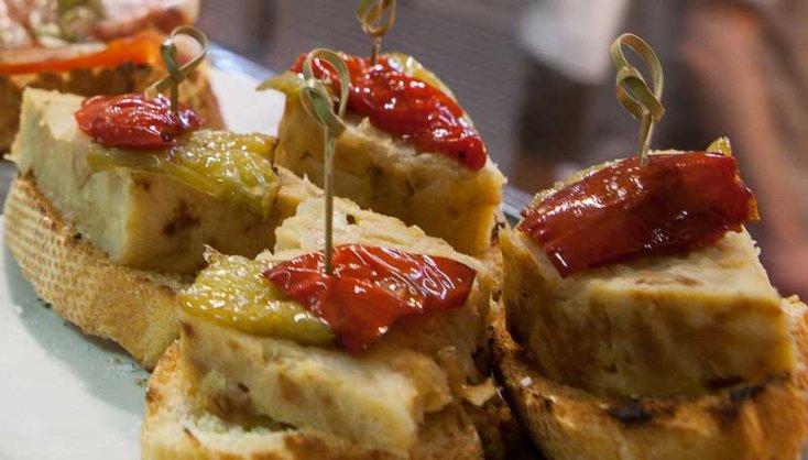 Bar La Tapita pinchos y tapas en mercado de santa catalina mallorca